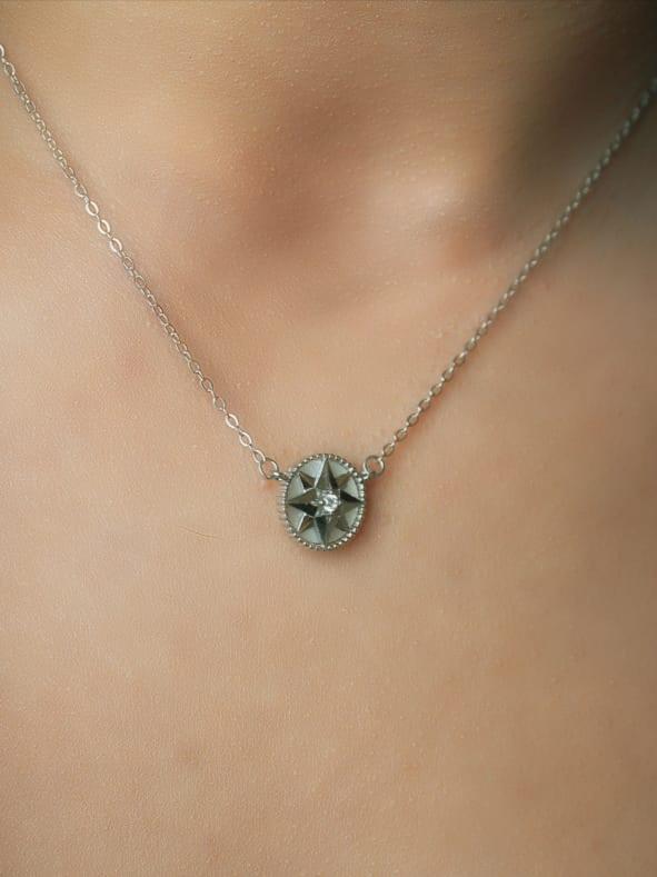 Collier Étoile du Nord Gris en argent Certifié 925 pour femme