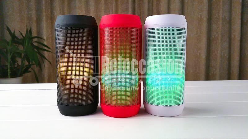 Enceinte Haut parleur Bluetooth portable B53 avec Lumière LED Étanche Bass, Construit en Mic, résistant à l'eau, Plage, Douche et Maison beloccasion.com